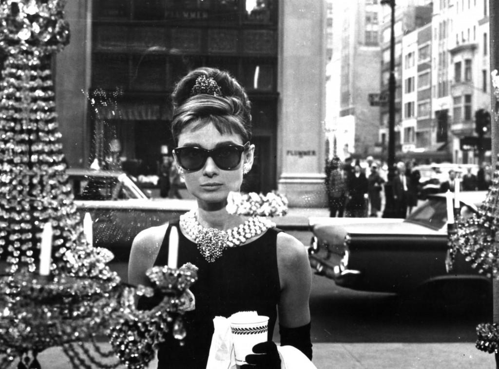 4. «Завтрак у Тиффани» 1961 1024x757 Cамые красивые украшения в истории кино