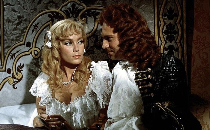 Кадр из фильма Анжелика и король 1965 год «Ядовитые» кольца