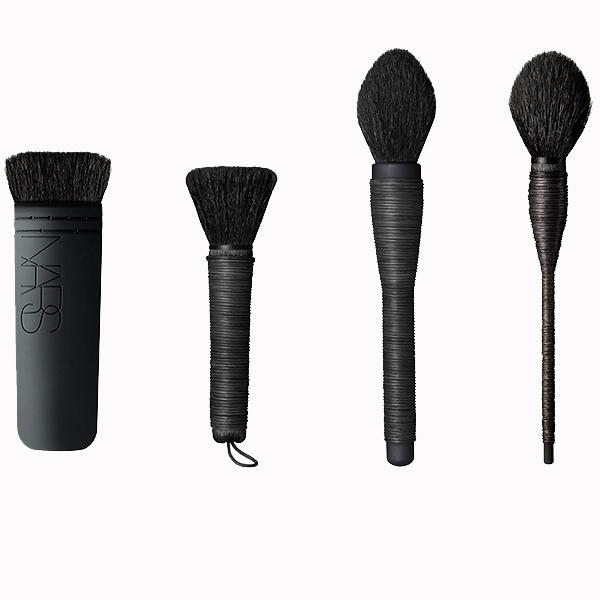 Кисти для макияжа Nars Ita 55 Mizubake 55 Mie 55 Yachiyo 55 Семь идеальных наборов кистей, которые так и просятся в косметичку