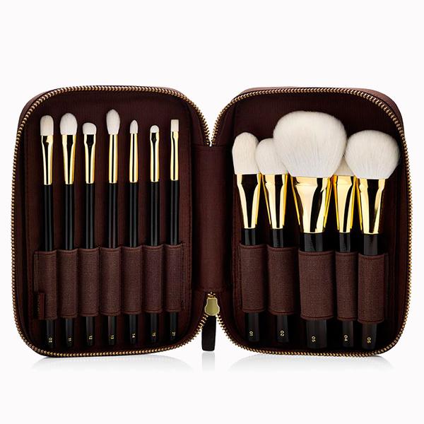 Набор кистей для макияжа Tom Ford £650 Семь идеальных наборов кистей, которые так и просятся в косметичку